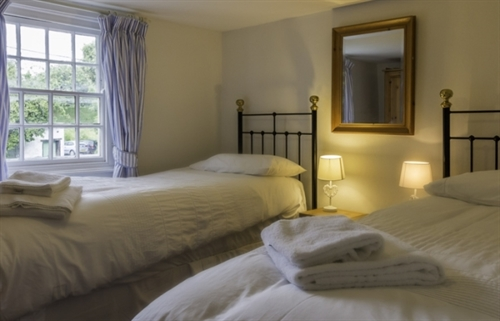 Twin bedroom at Vicarage Cottage